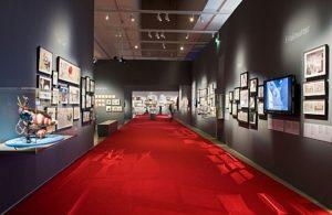 Paris Recognizes Tim Burton's Work