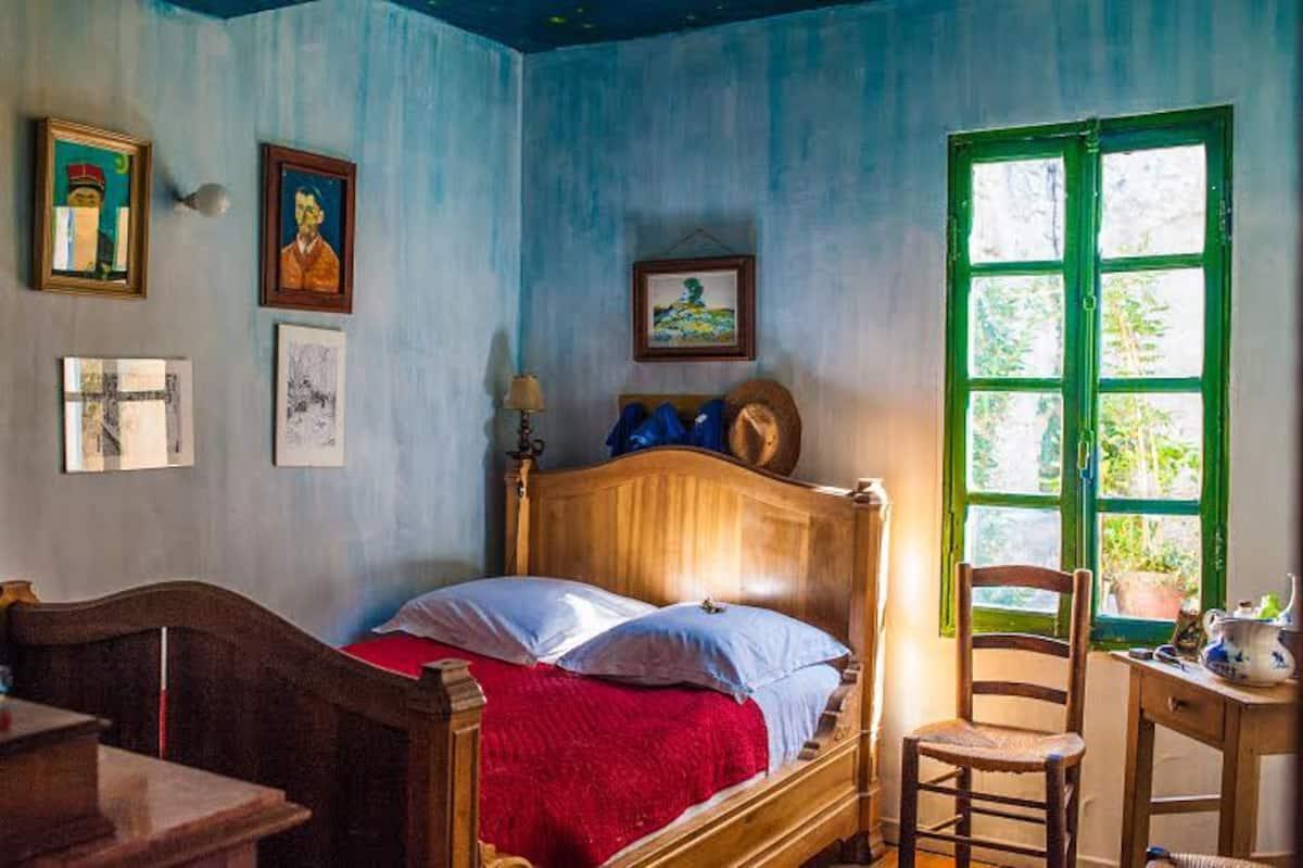 Van_Gogh_Room-Airbnb_Rentals